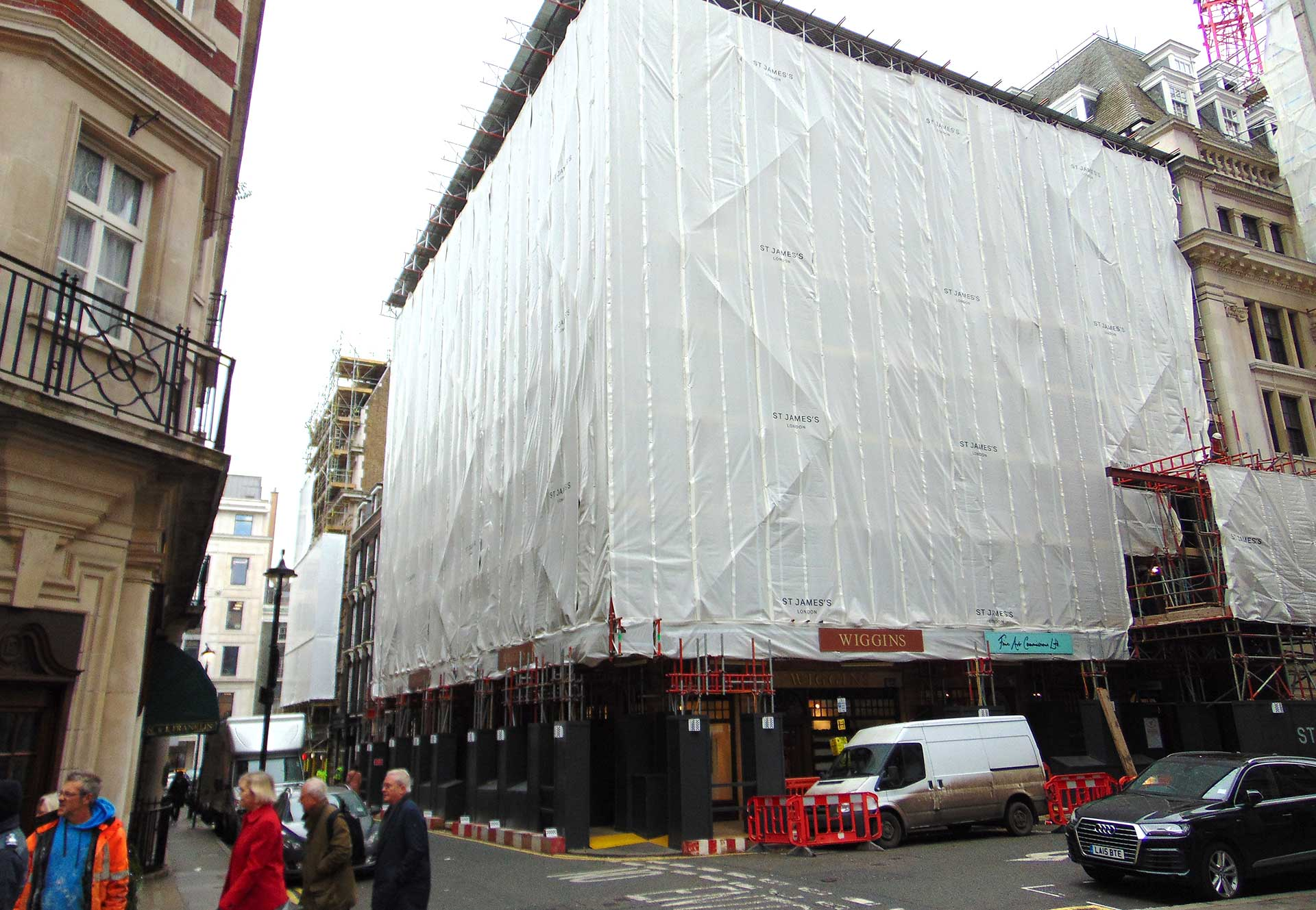 Contract scaffolding, London SW1